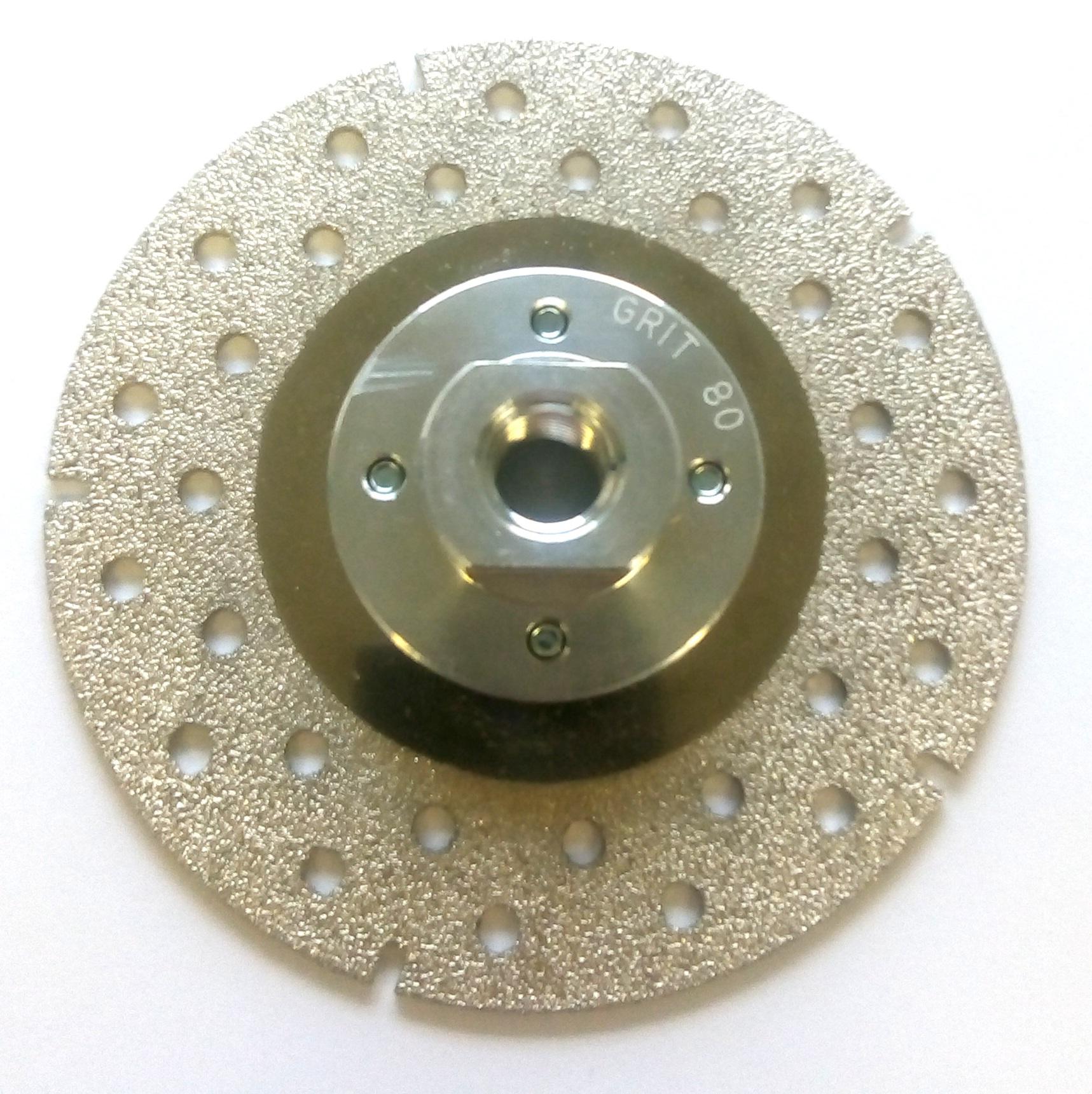 Disque diamanté et excellente meuleuse polyvalente